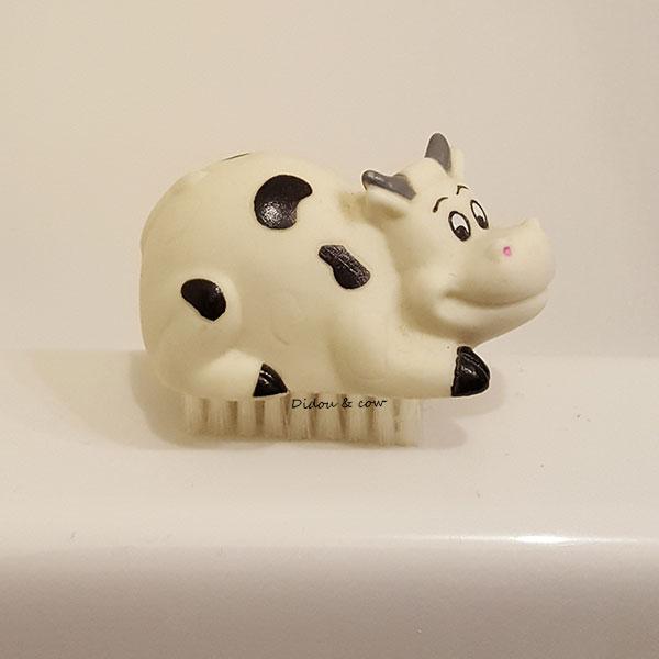 Brosse à ongles vache